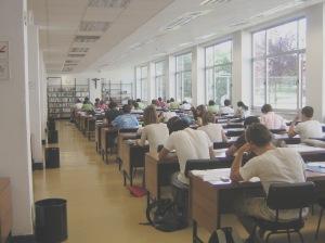 Biblioteca.Sala de Lectura Hum